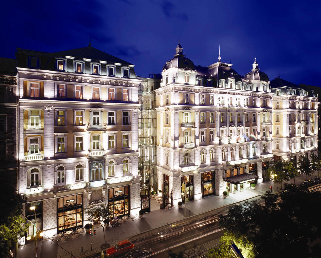Ipa magazine luxury travel reviews corinthia grand hotel for Grand hotel